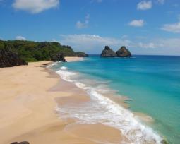 As 23 melhores praias do Nordeste para se sentir no paraíso 🏝️