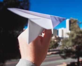 Como fazer um avião de papel: as 6 melhores formas