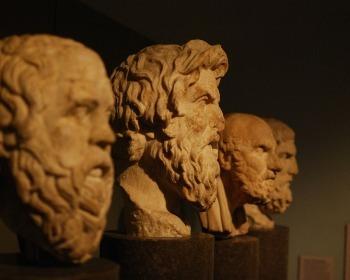 As 8 frases mais famosas de filósofos (e o que significam)