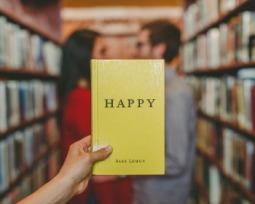 Os 14 melhores livros de romance para você se derreter