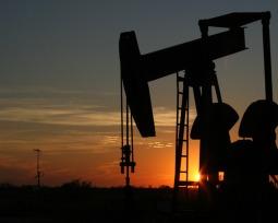 Os maiores produtores de petróleo do mundo e os países com as maiores reservas