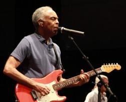 As 20 melhores músicas antigas brasileiras, segundo os fãs 🎵🇧🇷
